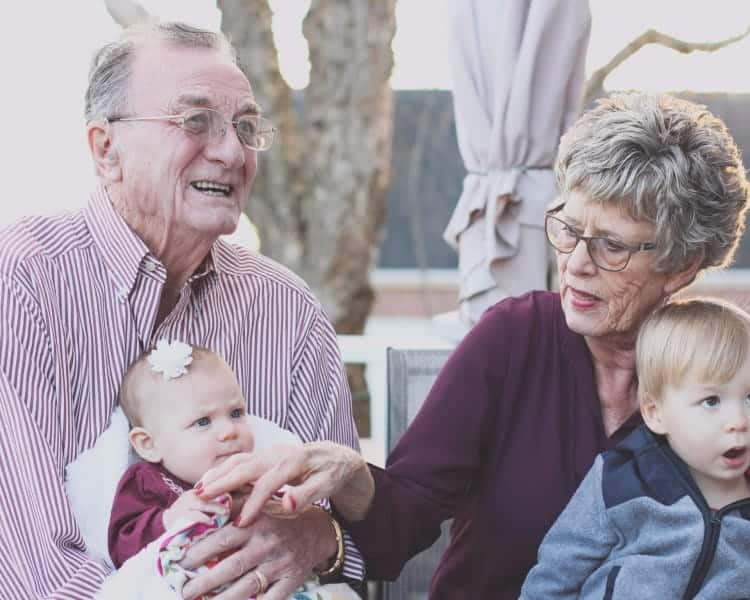 10 Activities for Alzheimer's Patients to Stimulate Their Brain
