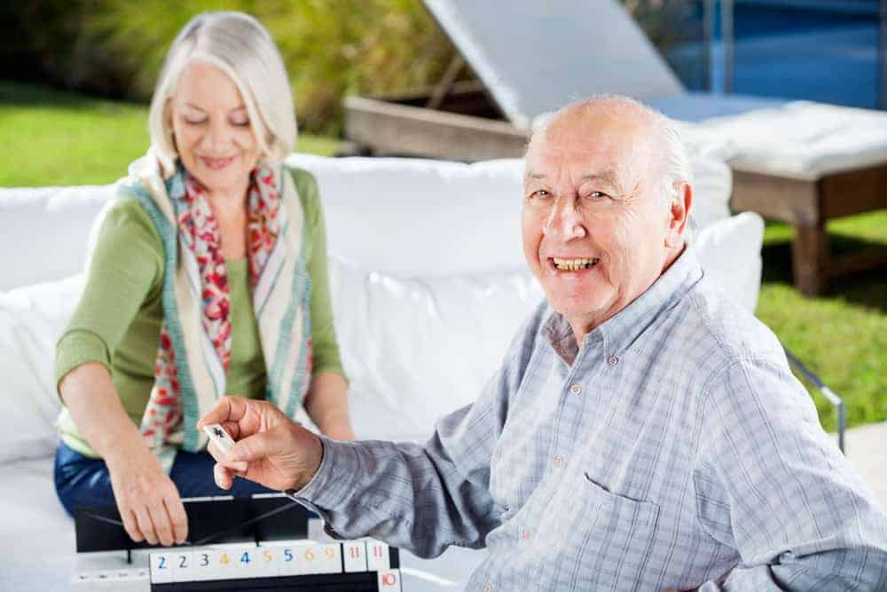 How Those with Alzheimer's Benefit from Adult Day Care
